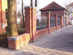 Zaunanlage_bruchsteinmauer